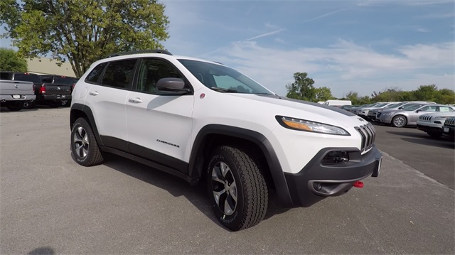 2018 jeep cherokee trailhawk. contemporary trailhawk new 2018 jeep cherokee trailhawk to jeep cherokee trailhawk